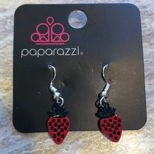 NEW Strawberry 🍓 Earrings